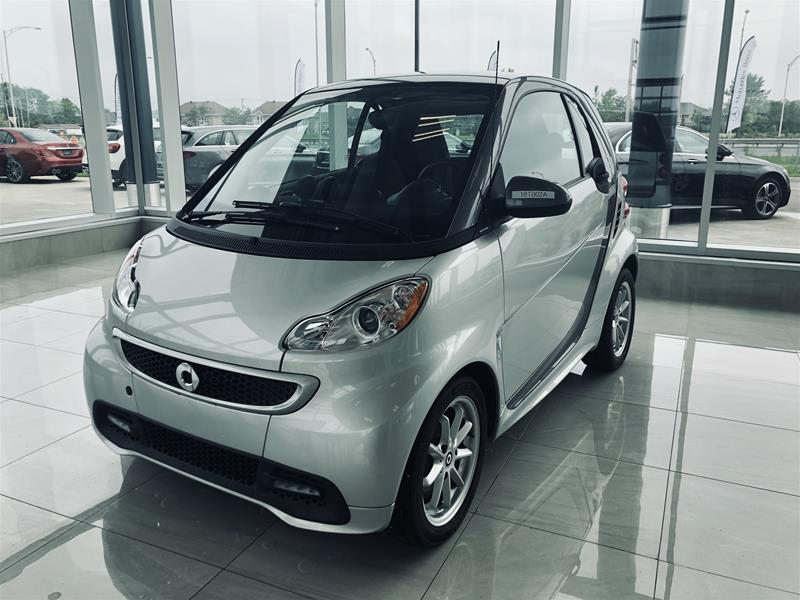 Pre-Owned 2014 smart fortwo electric drive cpé