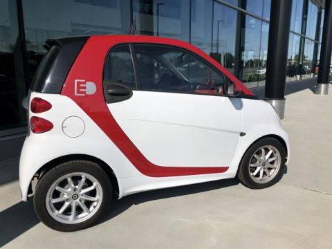 Certified Pre-Owned 2016 smart fortwo electric drive cpé
